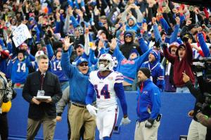Watkins comemora o touchdown da vitória