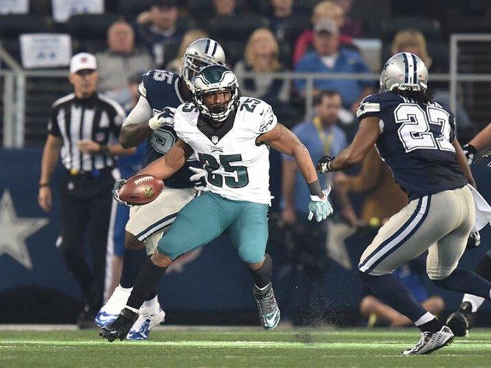 McCoy destruiu a defesa de Dallas