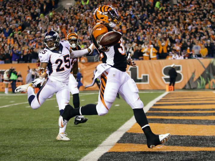 Calouro Jeremy Hill no TD de 85 jardas