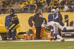 Bryant queima a defesa dos Colts para o TD