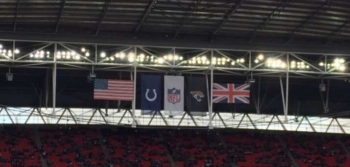 Bandeiras de Colts e Jaguars no Wembley Stadium